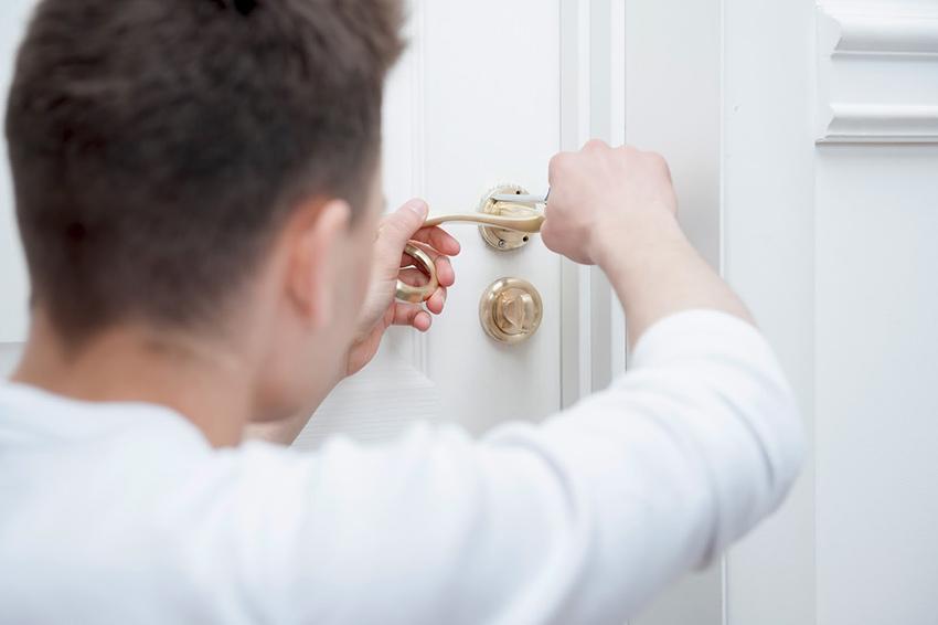 La serrure de ma porte d 39 entr e est bloqu e que faire - Comment ouvrir une porte blindee claquee ...
